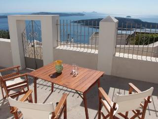 Villa DALI : 3-bedroom house with view to volcano - Fira vacation rentals