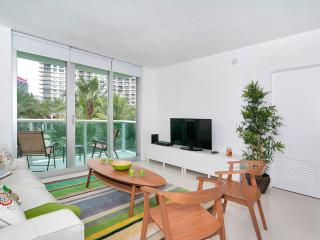 5 Stars Condo on Hollywood Beach - 2 Bedrooms - Hollywood vacation rentals