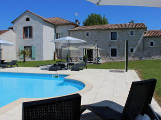 Nice Guest house with Internet Access and A/C - Cahuzac-sur-Vere vacation rentals