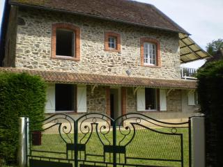 Comfortable House with Television and DVD Player - Saint-Julien-le-Vendomois vacation rentals
