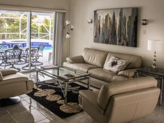 Spacious house minutes from Equestrian Showgrounds - Royal Palm Beach vacation rentals