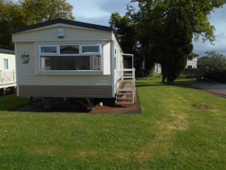 Blue Anchor river side caravan to let - Minehead vacation rentals