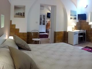Cozy Condo with Internet Access and Dishwasher - Palermo vacation rentals
