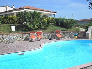 Grillia Sea View - Santa Maria di Ricadi vacation rentals
