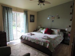 Delightful Private Getaway at Tillamook Bay - Bay City vacation rentals