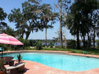 Waterfront Sanctuary Bed & Bath - Jacksonville vacation rentals