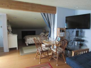 Cozy family Suite/Hideaway at Tillamook Bay - Bay City vacation rentals