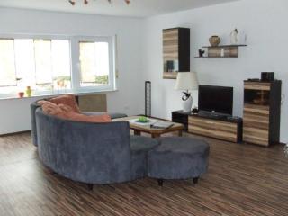 Vacation Apartment in Sulzfeld - 1076 sqft, quiet, comfortable, child-friendly - Stadtlauringen vacation rentals