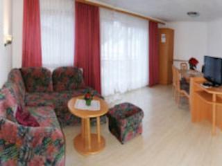 Vacation Apartment in Samnaun - 700 sqft, central, quiet, comfortable (# 7014) - Samnaun vacation rentals