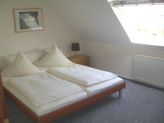 Vacation Apartment in Jork - 538 sqft, quiet and countryside, comfortable, city limits of Hamburg (#… - Jork vacation rentals