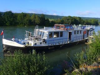 house boat on the Seine near Paris - Draveil vacation rentals