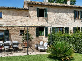 Charming  country villa + guest house + pool - Corinaldo vacation rentals