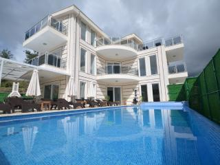 5 bedroom Private Villa With Fabulous Sea Views, - Islamlar vacation rentals