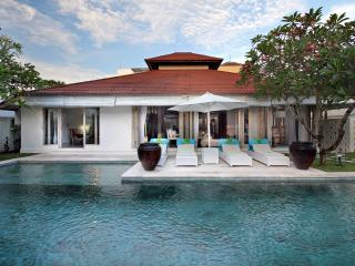 Luxury Villa, central & minutes to Seminyak Beach - Seminyak vacation rentals