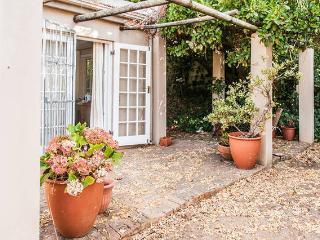 Cozy 1 bedroom Cottage in Constantia - Constantia vacation rentals