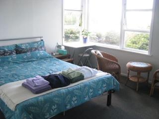 KIWI-RACCO B&B --  Guest Room 1 (Double) - Rotorua vacation rentals