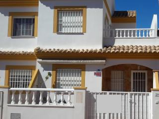 Nice House with A/C and Outdoor Dining Area - San Pedro del Pinatar vacation rentals