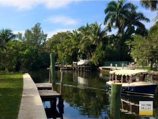 200 feet water front, luxury community, large pool - Fort Lauderdale vacation rentals
