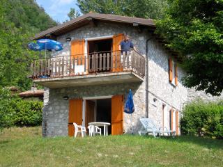Casa Ruth, Vesta, Lago d´Idro, Italia - Vesta vacation rentals