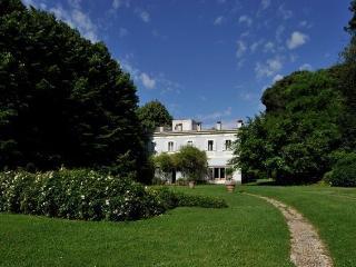 Relais Villa Lina (Tuscia) Casa Vostra - Ronciglione vacation rentals