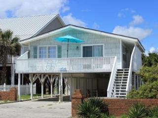 Beautiful 3 bedroom Oak Island House with Deck - Oak Island vacation rentals
