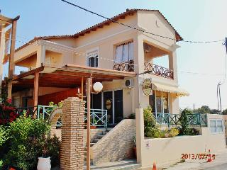 OKTANA apartments - Amaliada vacation rentals