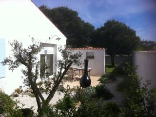 Nice House with Internet Access and Television - Dolus d'Oleron vacation rentals