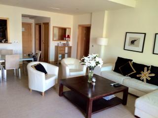 Cosy 1 Bed on the Palm Jumeirah - Dubai vacation rentals