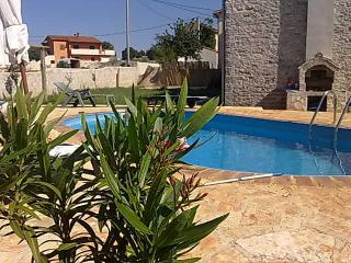 "STONE HOUSE ""MAESTRAL"" - Bratulici vacation rentals"