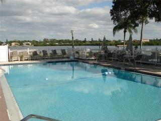 Nice Condo with Internet Access and Dishwasher - Siesta Key vacation rentals