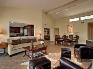 Remodeled 3+2 in Rancho Las Palmas CC - Rancho Mirage vacation rentals