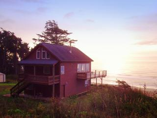 The Beach House in Gold Beach - Gold Beach vacation rentals