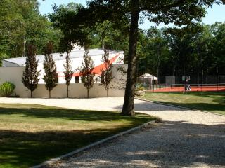 Tennis Court, Swimming Pool, Bocci, Soccer Lawn, L - Shelter Island vacation rentals