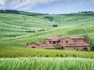 Beautiful 8 bedroom House in Val d'Orcia with Private Outdoor Pool - Val d'Orcia vacation rentals