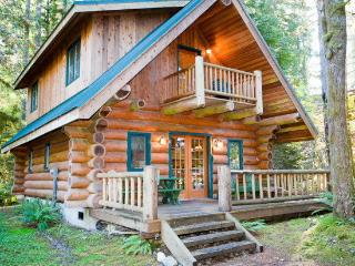 Nice House with Balcony and Parking - Glacier vacation rentals