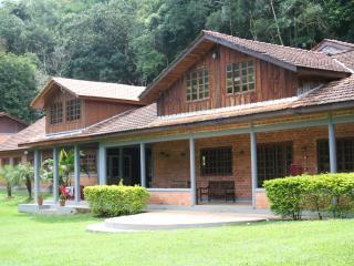 Chácara de Retiros Villa Ramos - Cerro Azul vacation rentals