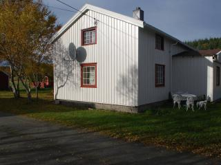 Beautiful Farmhouse Barn with Internet Access and Water Views - Gjerdinga vacation rentals