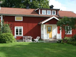 Comfortable house in peaceful countryside - Nora vacation rentals