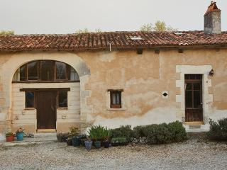 5 bedroom Gite with Internet Access in Pillac - Pillac vacation rentals