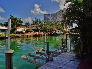 Boaters Paradise Min to S Beach 100 nts min - North Miami vacation rentals