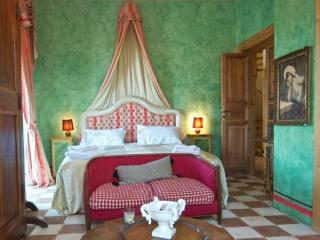 Relais Villa Lina (Tuscia)TORRE DEL FALCO - Ronciglione vacation rentals