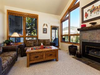 3BR Townhome w/Private Hot Tub, Fireplace, Patio, Canyons Base & Golf Course - Park City vacation rentals