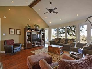 4BR/3BA Spicewood House with Impressive Views, Huge Deck, Sleeps 9 - Spicewood vacation rentals