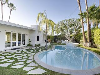 4BR/3BA Ultra-modern Palm Springs House with Pool, Sleeps 8 - Palm Springs vacation rentals