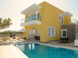 Gorgeous 3 bedroom Villa in Gennadi with Internet Access - Gennadi vacation rentals