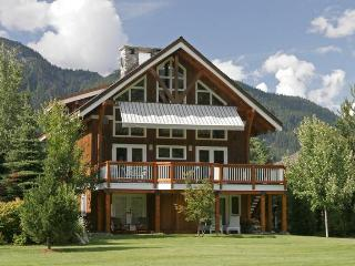 Whistler Saddle House - Luxury 5 Bedroom Chalet - Whistler vacation rentals