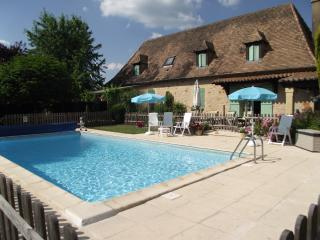 4 bedroom House with Internet Access in Milhac-d'Auberoche - Milhac-d'Auberoche vacation rentals