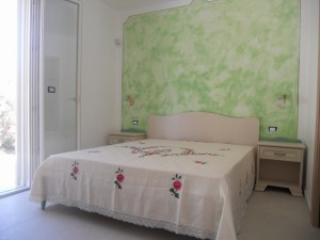 B&B Lu Cantoru Camera Grecale - Pesculose vacation rentals