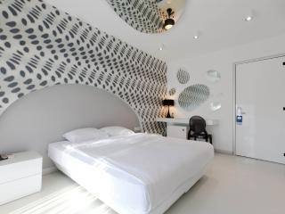 Bright 6 bedroom Villa in Alacati with Dishwasher - Alacati vacation rentals