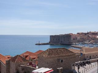 Cozy 3 bedroom Dubrovnik Condo with Internet Access - Dubrovnik vacation rentals